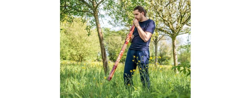 Steel-drum, congas, didjeridoo...